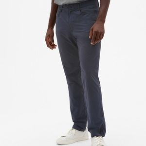 2018 Gap Fit Hybrid Slim Pants